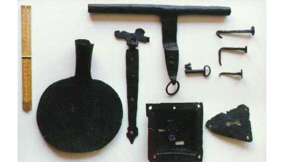 IJzerbeslag gevonden tijdens de opgraving van huis Schoonbroek in Apeldoorn Foto: Archeologie Apeldoorn