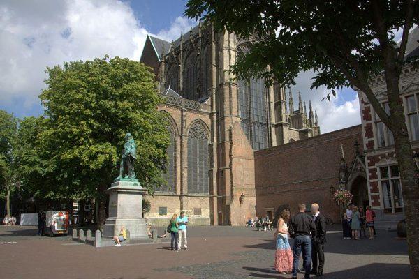 Standbeeld Jan van Nassau op het Domplein in Utrecht