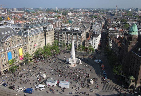 Het Nationaal Monument op de Dam in Amsterdam