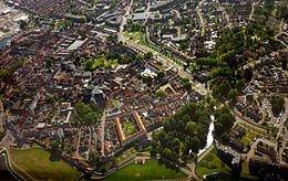 Luchtfoto van het oude centrum van Harderwijk