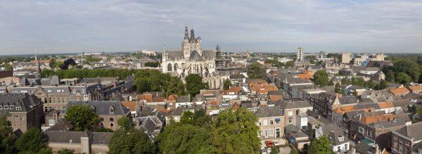 Gezicht op de Sint-Janskathedraal in Den Bosch