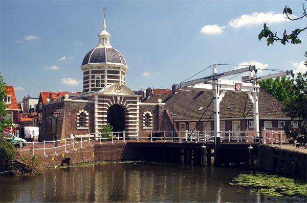 Morspoort en Morspoortbrug in Leiden