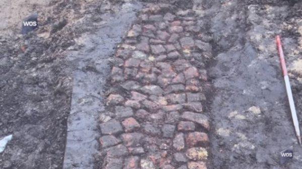 Middeleeuwse verharde weg in Naaldwijk