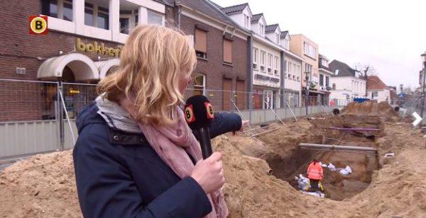 Omroep Brabant bij de opgravingen in Cuijk