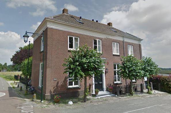 Het voormalig Veerhuis in Batenburg in 2016