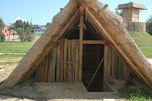 Referentiebeeld: Reconstructie hutkom in Duitsland