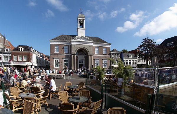 Het Oude Stadhuis aan de markt in Harderwijk
