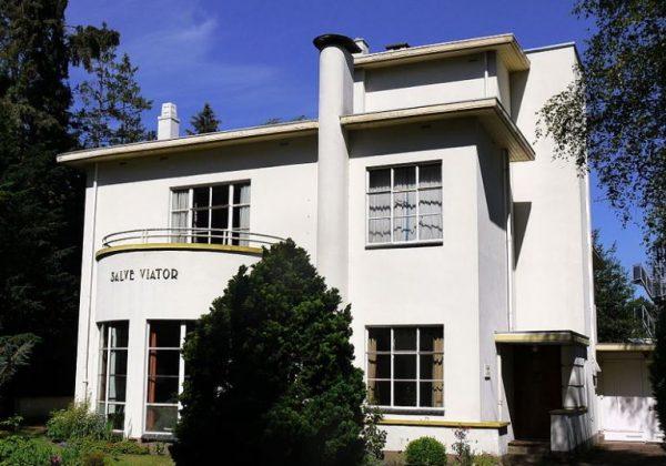 Villa Salve Viator aan de Burgemeester Kerstenslaan in Breda in 2011