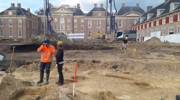 Archeologische opgravingen onder voorplein Paleis Het Loo