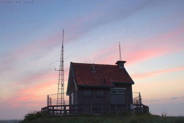 Het voormalige seinhuisje op het Kaapsduin bij West-Terschelling