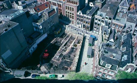 Archeologisch onderzoek in de Warmoesstraat in Amsterdam