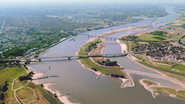 De Waal en Spiegelwaal in Nijmegen