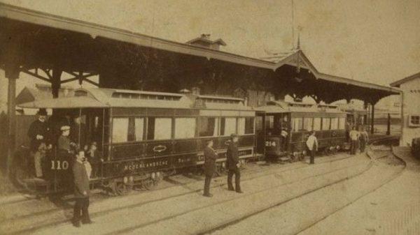 Oude stoomtramstation in Scheveningen, circa 1880