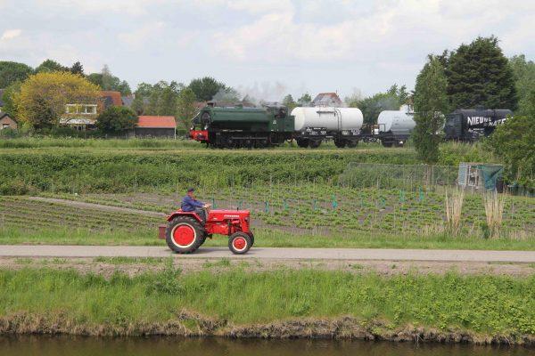 Stoomloc met tractor, Hoedekenskerke