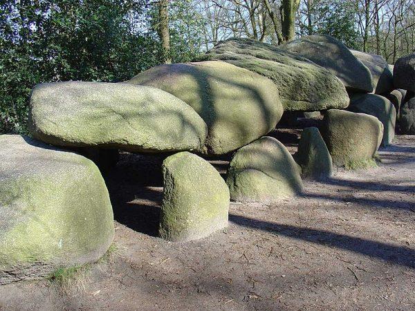 Hunebed D27 in Borger, het grootste hunebed van Nederland