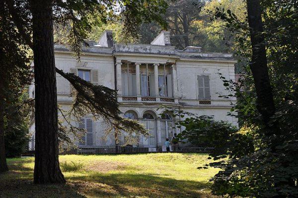 Villa Viardot, aan de oevers van de Seine, ten westen van Parijs