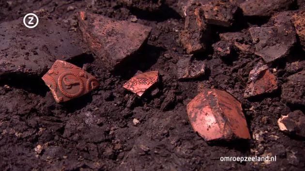 Een deel van de vondsten in Kapelle