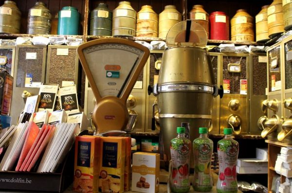 Historisch interieur koffie- en theewinkel 't Zonnetje in Amsterdam
