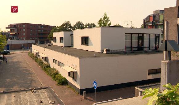 Het voormalige politiebureau in Almere-Haven