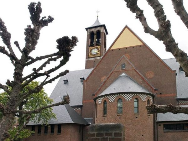 De Antoniuskerk in de Utrechtse wijk Lombok