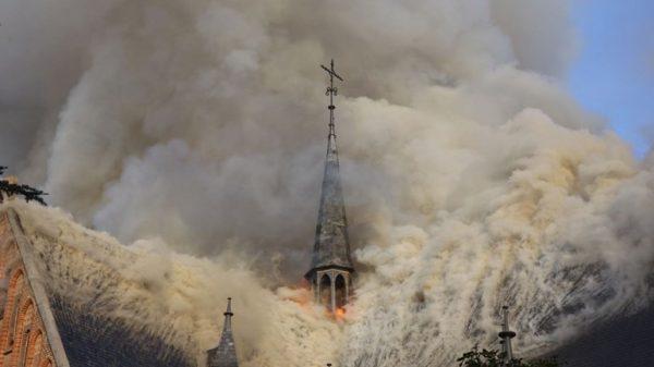 De brand in de Sint Urbanuskerk in Amstelveen