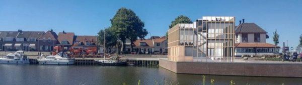 Impressie van het café bij de Havendam in Harderwijk