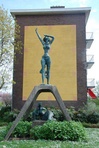 Het 'Monument voor de Wederopbouw' in Zutphen