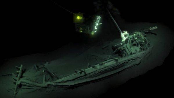 Het scheepswrak in de Zwarte Zee