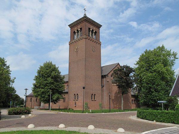 De Maria Onbevlekt Ontvangen-kerk in Deest