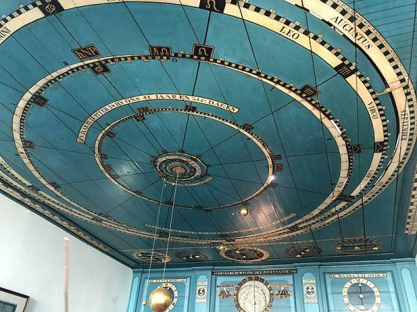 Het planetarium in Eise Eisinga's woonkamer in Franeker