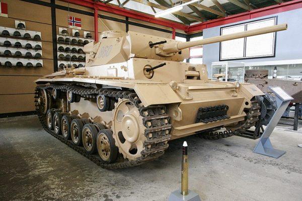 Een Panzer III in het Pantsermuseum Munster