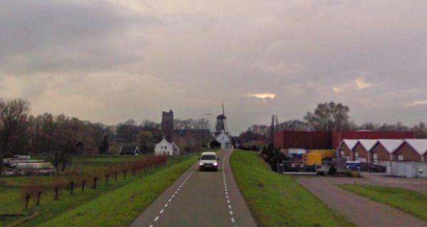 De Hoge Maasdijk in Woudrichem