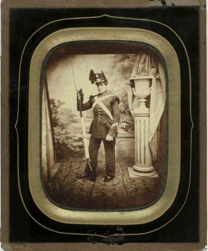 Foto van de Leidse fotograaf Jan Goedeljee, gemaakt door zijn zoon Johannes Goedeljee