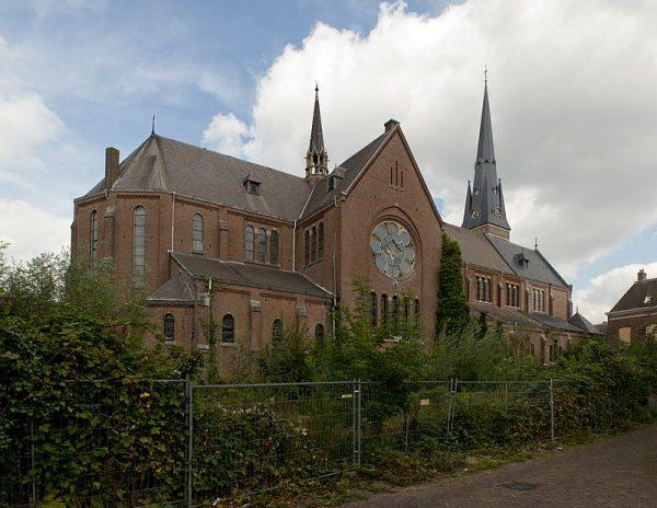 https://www.rtvnoord.nl/nieuws/204815/Projectontwikkelaar-eist-sloop-oude-steenfabriek-voor-komst-Aldi