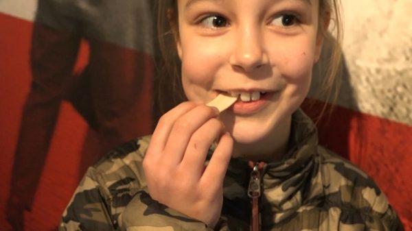 Jongeren krijgen kauwgom als belonging in nieuw WOII-infopunt Nijmegen