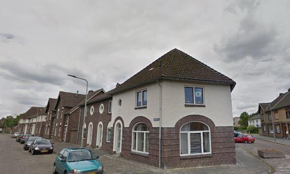 De Heistraat en Sint Petrusstraat in de Sittardse wijk Overhoven (2015)