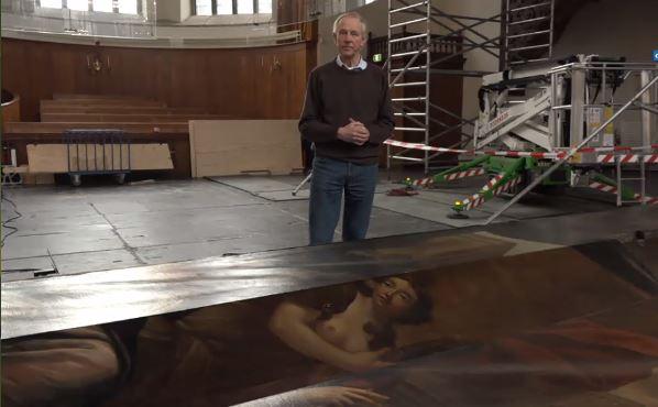 De metershoge orgelluiken in de Nieuwe Kerk in Den Haag