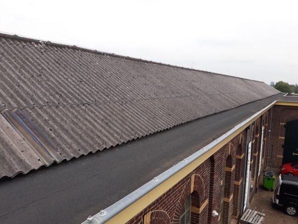 Monumentaal dak met asbest