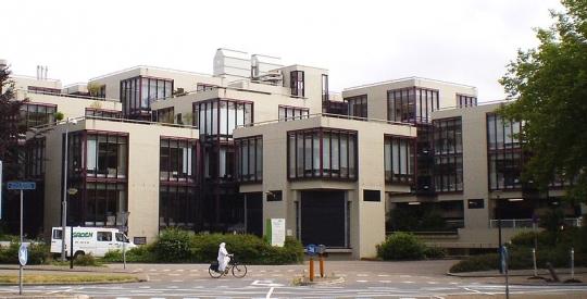 Wonen in de monumentale kubussen van Herman Hertzberger in Apeldoorn