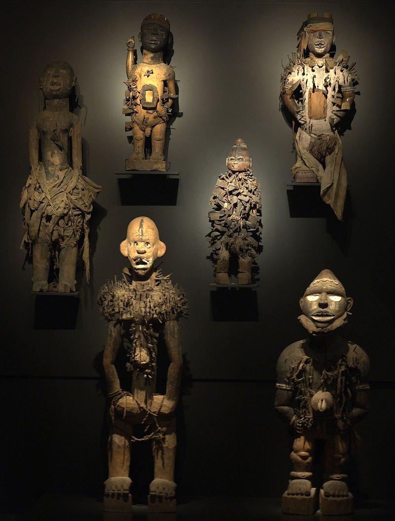 Musea voor volkenkunde willen roofkunst teruggeven