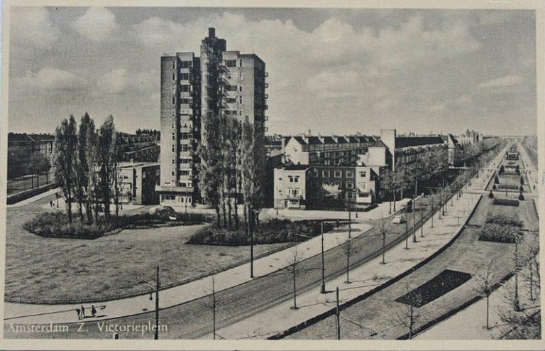 De Wolkenkrabber op het Victorieplein in Amsterdam-Zuid (1935)