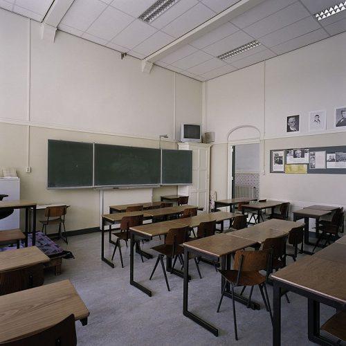 Een klaslokaal met Revolt-stoelen (2006)