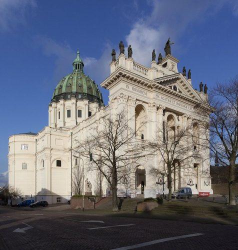 De Basiliek van de H.H. Agatha en Barbara in Oudenbosch (2011)