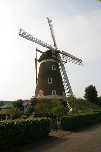 Korenmolen De Hoop in Bavel (2008)