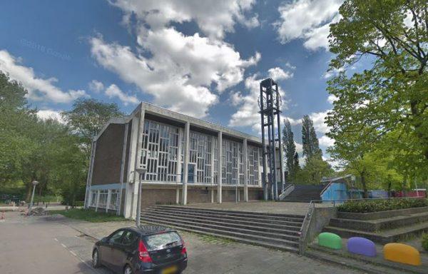 De Bethelkerk aan het Plejadenplein in Amsterdam-Noord