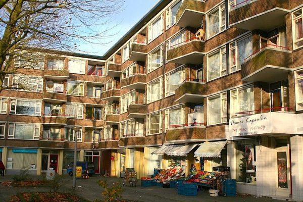 Het Abraham Staalmanplein in Amsterdam Nieuw-West (2008)