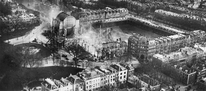 Het afgebrande Paleis voor Volksvlijt in 1929