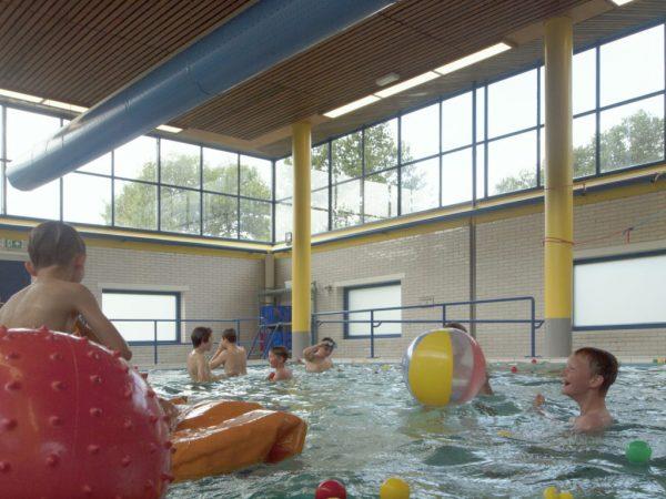 Het rijksmonumentale zwembad van Bio Vakantieoord in Arnhem