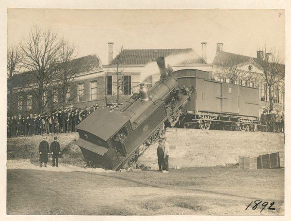 Ongeluk met Woeste Willem, 1893, Spoorkade in Kampen