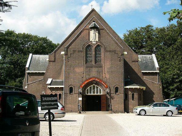 De OLV Ten Hemelopnemingkerk in Renkum (2006)